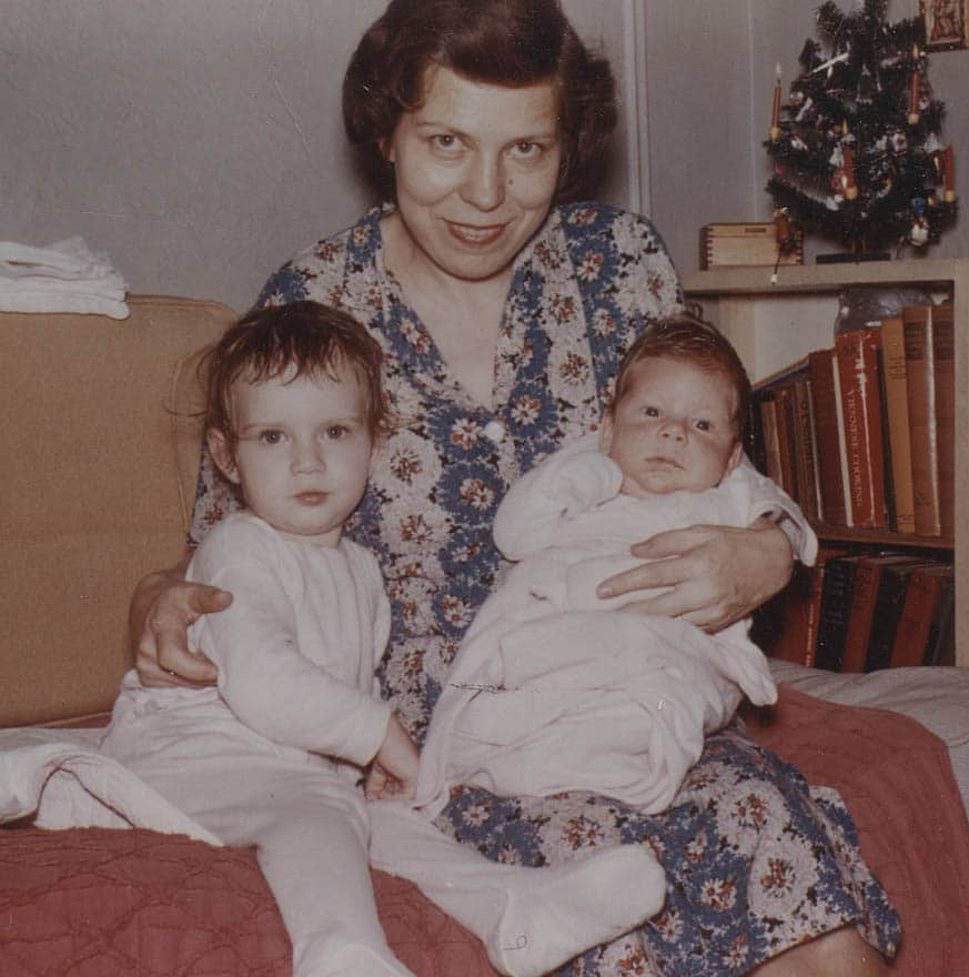 1959 Christmas Arriving from Canada Gertrude, Sylvia and Robert Gettinger